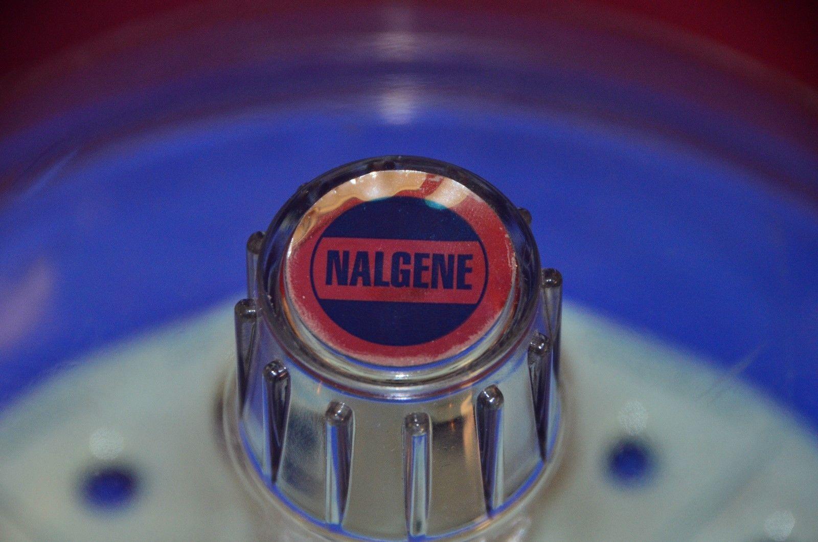 Nalgene 250mm Plastic Desiccator with Nalge Sybron Nucerite 5312 Plate
