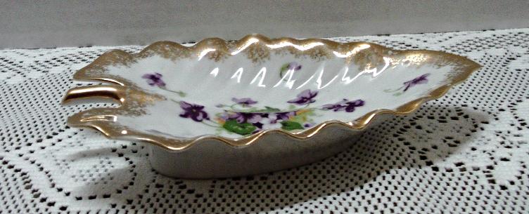 Vintage NORCREST Purple Violets Hand Painted Leaf Shaped Candy/Mint Dish