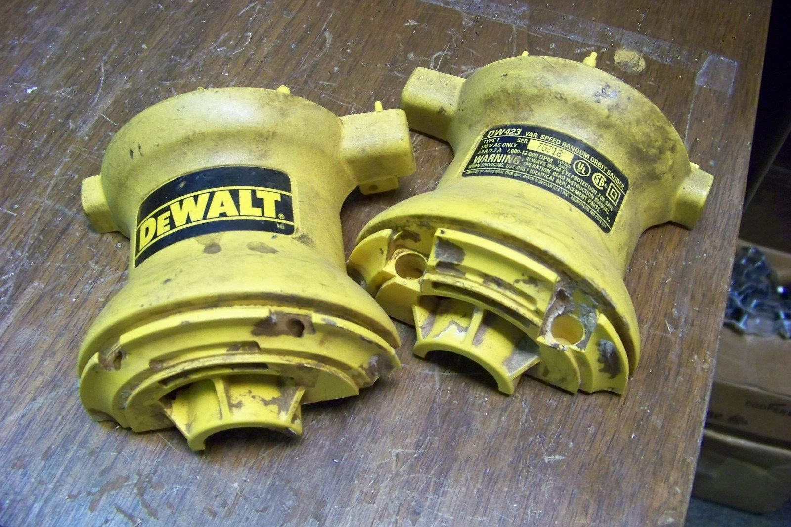 DeWALT DW423 TYPE 1 5 inch EVS Random Orbit Sander Parts ~ clamshell set