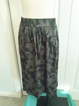 NWT $69 Ann Taylor Loft Gray Shadow Floral Flui... - $19.64