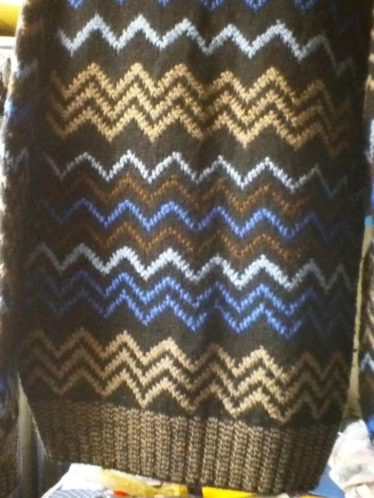 MAINE BAY TRADITIONALS 100% wool medium BLACK BLUE MULTI-COLOR sweater