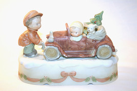 "Memories Of Yesterday 1990 ""Got To Get Home For The Holidays"" Music Box ... - $72.00"