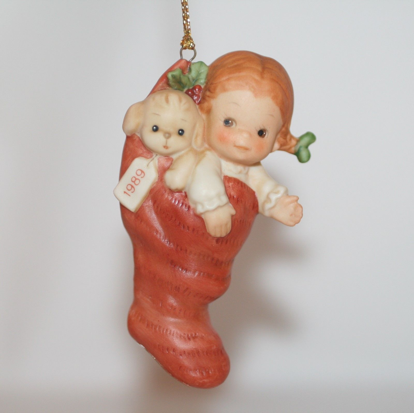 "Memories Of Yesterday Ornament 1989  ""A Surprise For Santa""  #522473 EUC"
