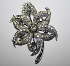 Vintage Signed Sarah Coventry Silvertone Sparkling Crystal Flower Brooch... - $10.00