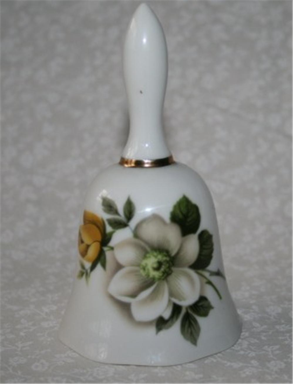 UCGC Japan White & Yellow Floral Glazed Bell  M105