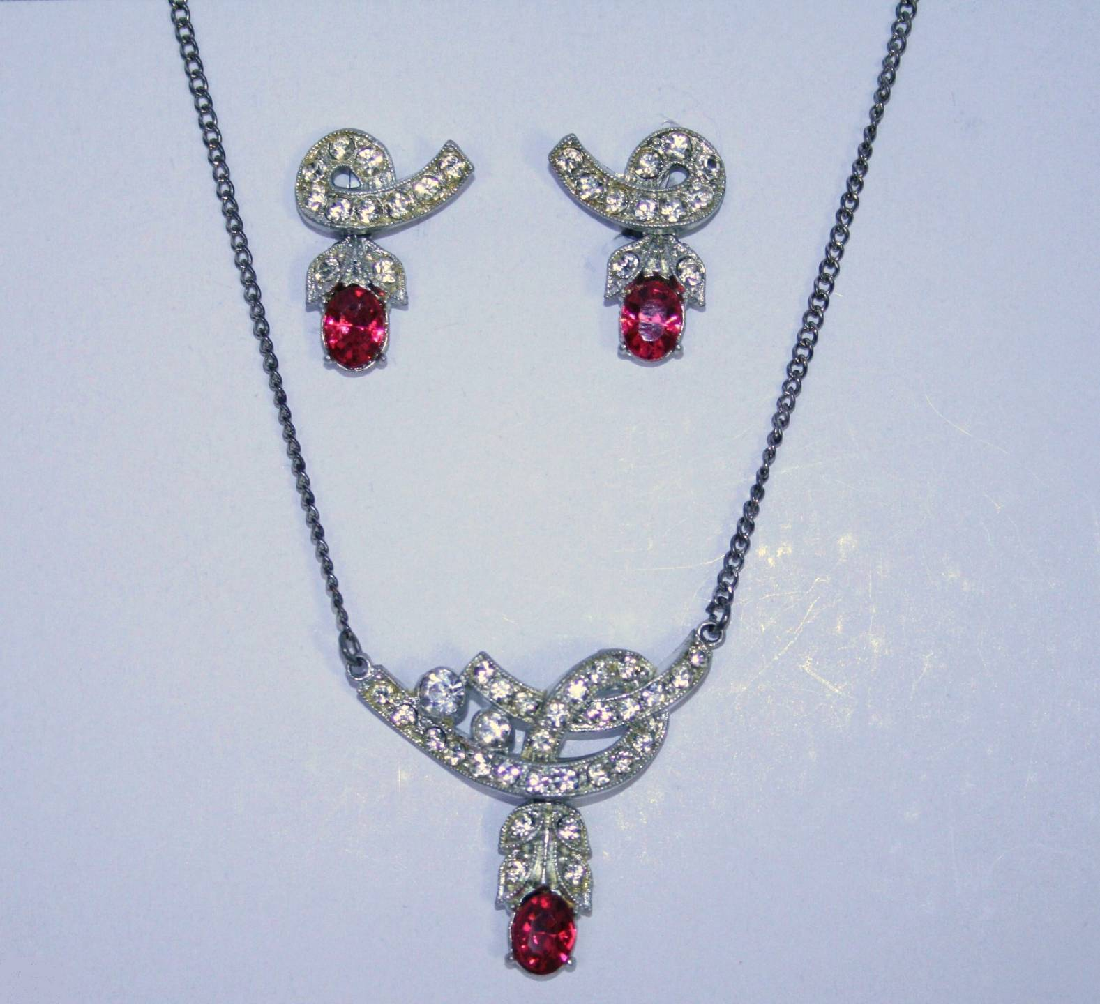 Vintage Nemo Signed Hot Pink Crystal Screw Earrings and Necklace  J130GS