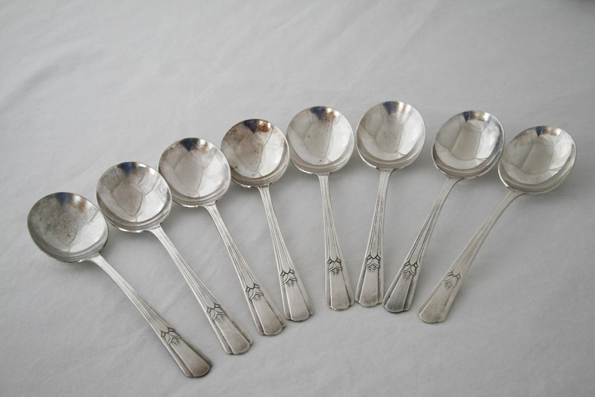 International Wm Rogers Silverplate 1939 -Sovereign- 8 Gumbo Soup Spoons  #1998