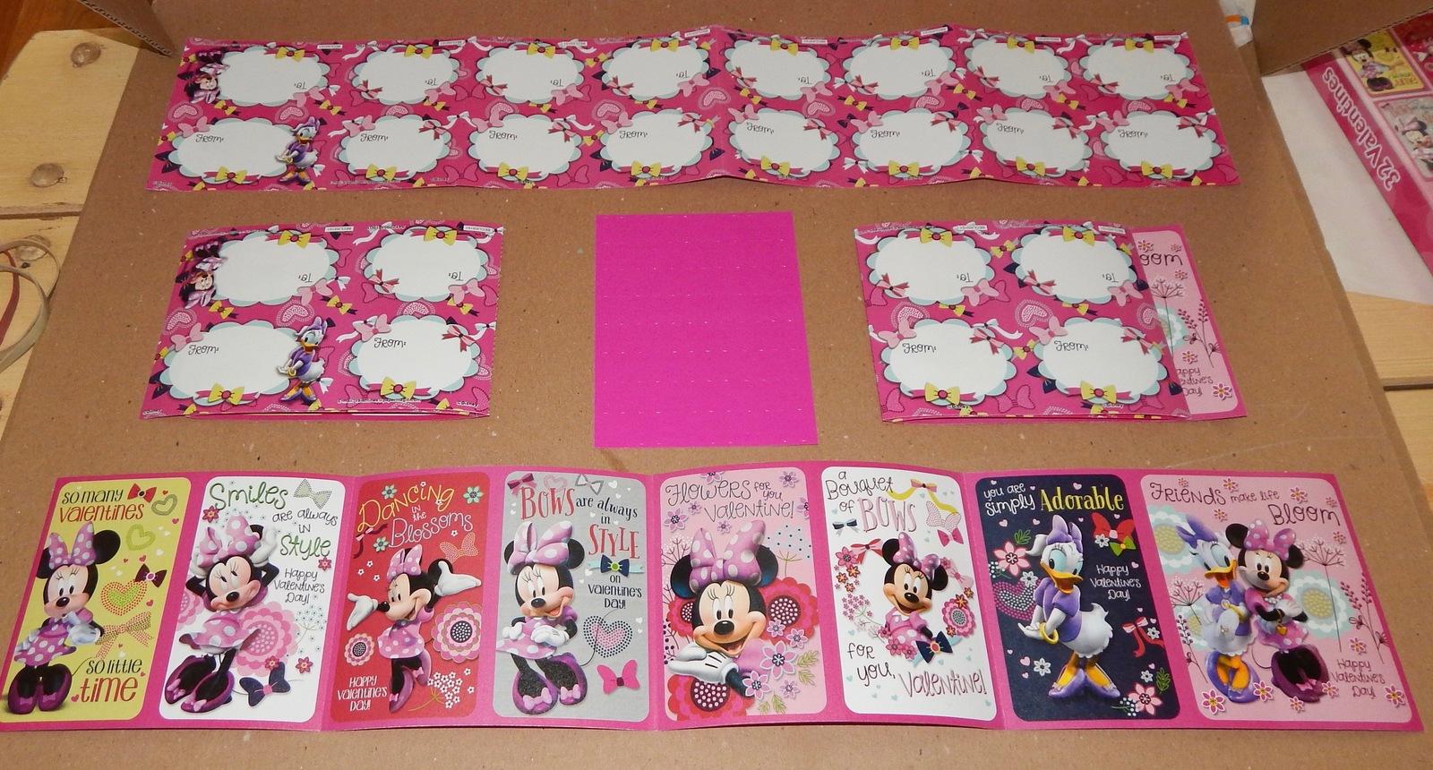 Valentines 32 Cards USA 8 Designs & Heart Stickers Disney Junior Minnie 101R