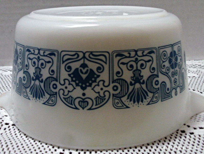 Vintage Pyrex Horizon Blue Casserole Dish With Clear Lid // 473 I Qt. Casserole