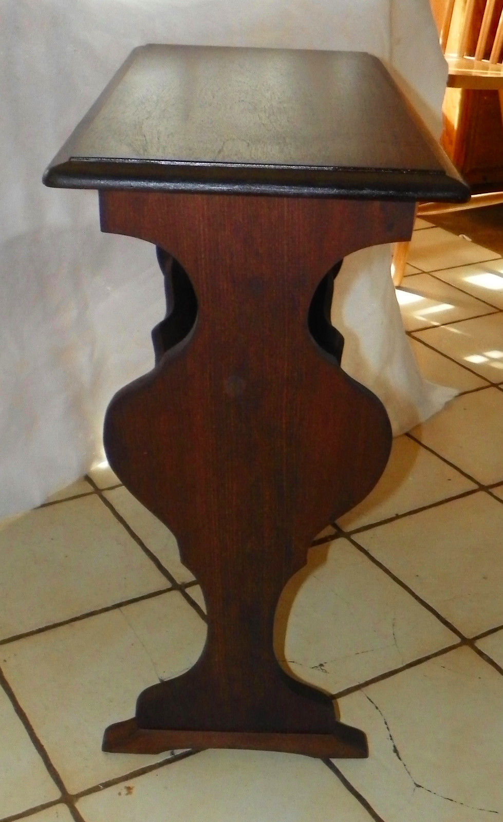 Mahogany Bookshelf End Table / Side Table    (T389)