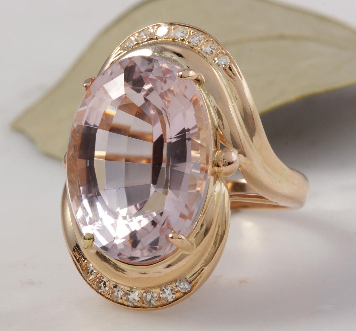 Estate 16.18 Carats Natural Pink Kunzite and Diamond 14K Solid Rose Gold Ring
