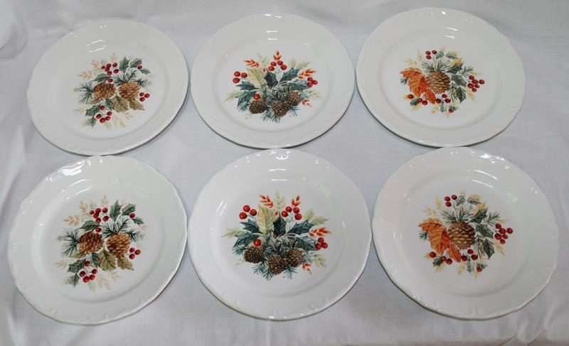 Gibson Grand Nobility Holiday Holly Pine Cone 18 pc Dessert Set For 6  #1891