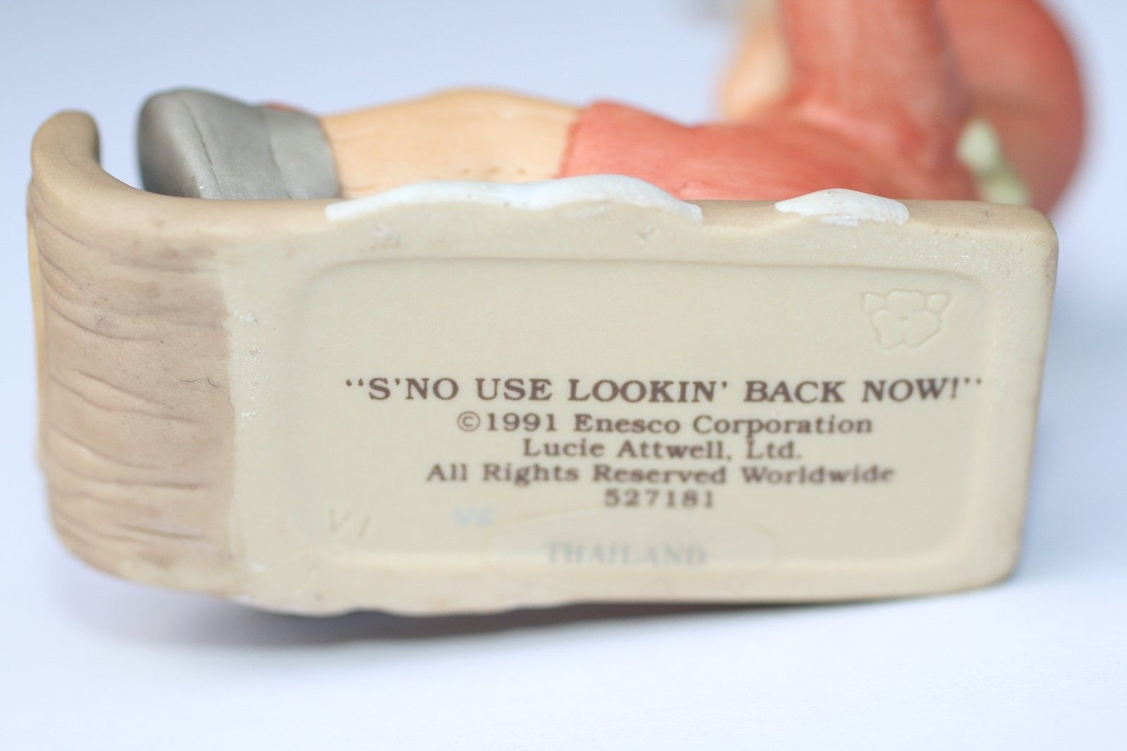 """Memories Of Yesterday Ornament 1991  """"S-No Use Lookin' Back Now!""""  #527181 EUC"""