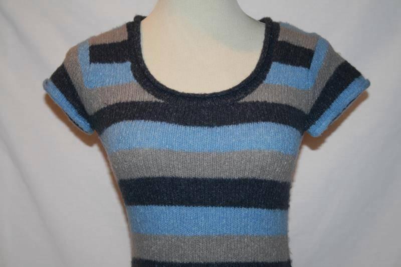 BCBG Max Azria Blue Gray Striped Wool Blend Sweater Top XS / S   #1853