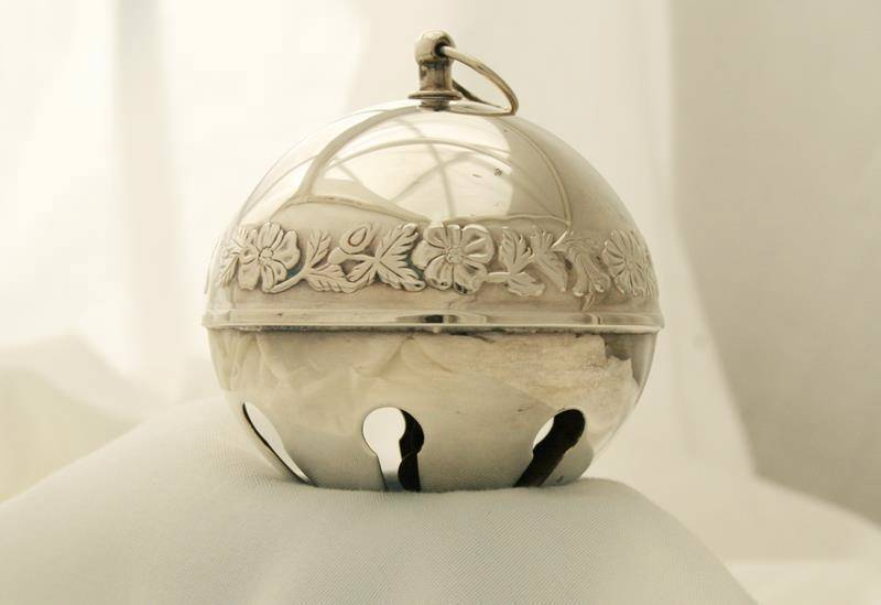 Wallace Silverplate -1978 Legendary Christmas Rose- Sleigh Bell Ornament  #1690
