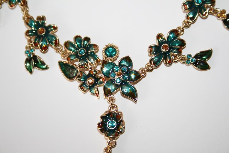 Gold Tone Enameled Leaf & Flower Turquoise Gold Crystal Necklace  NEW  J230