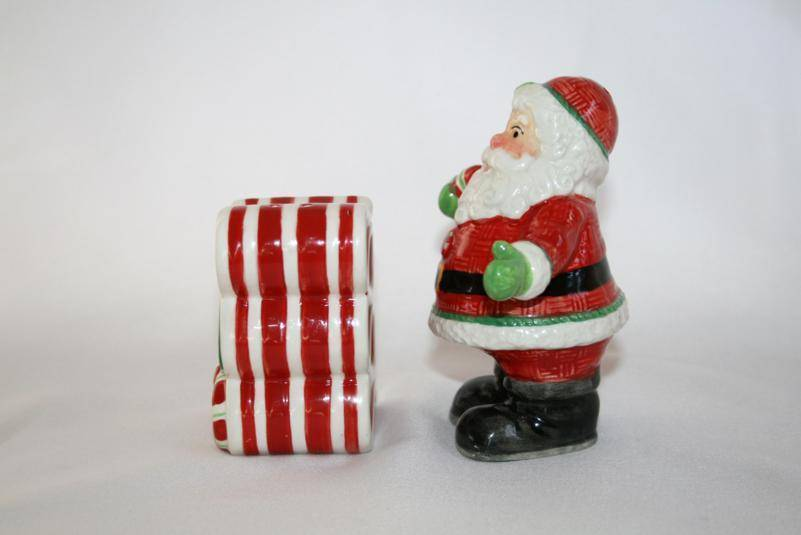 Fitz & Floyd Peppermint Santa Salt & Pepper Shaker Set   -Never Used-   #985
