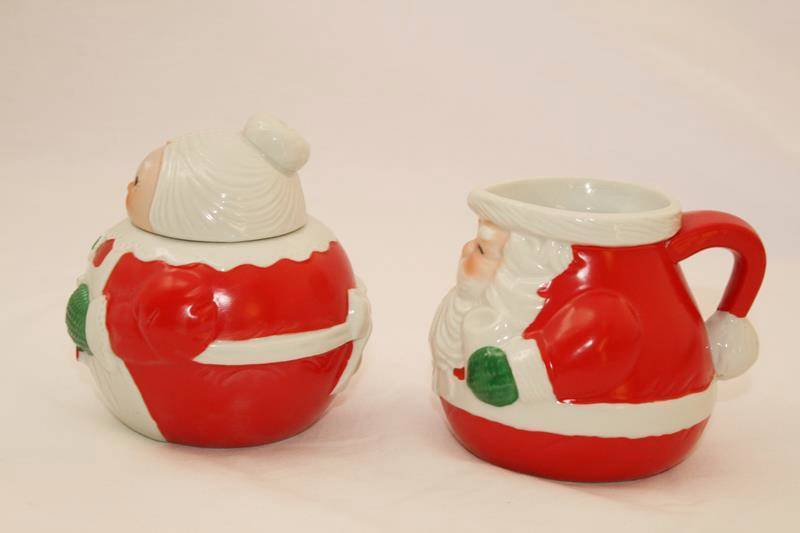Vintage 1983 Avon Santa Claus Creamer & Mrs Claus Sugar Bowl in Box-  #1703