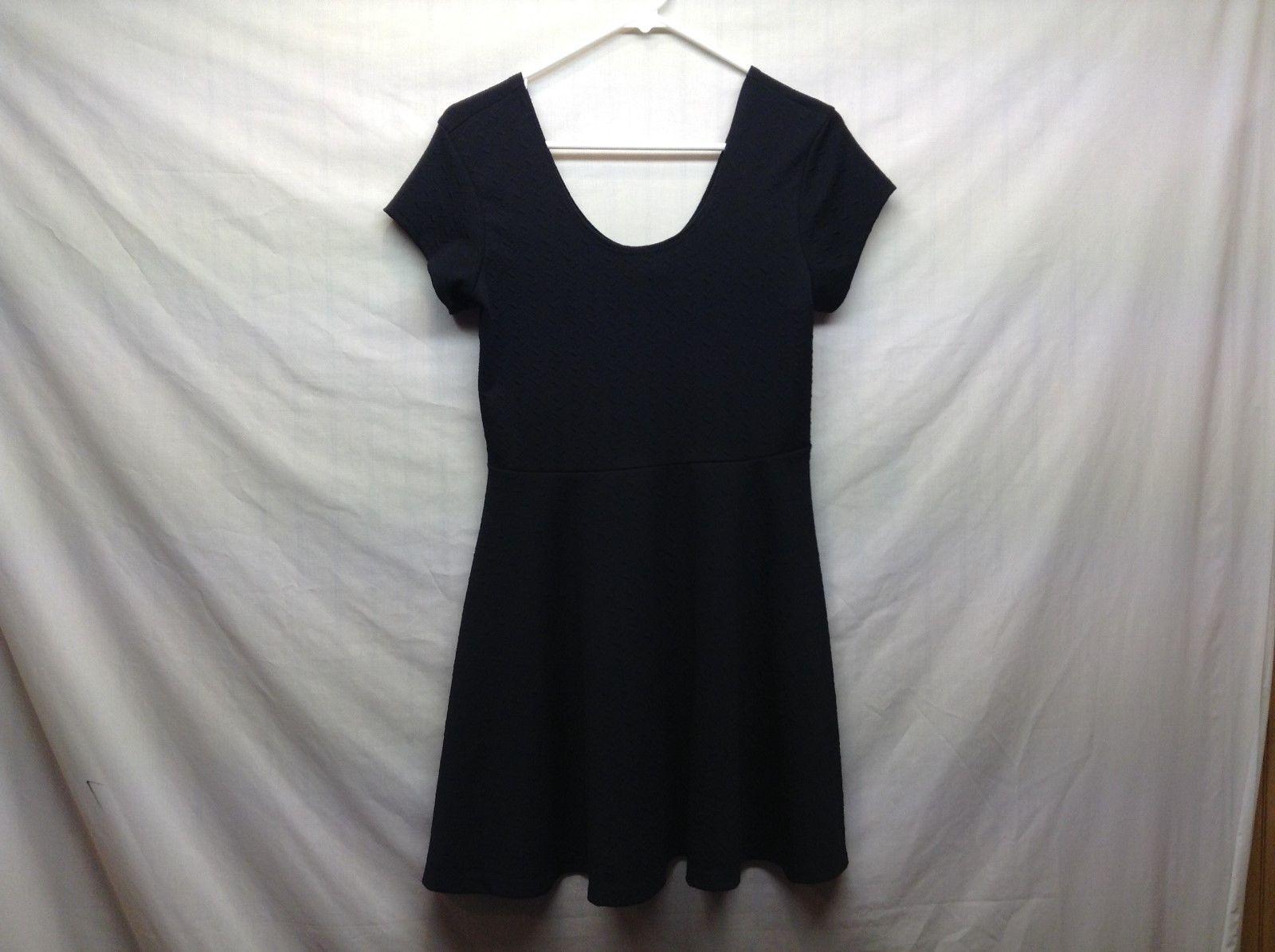Planet Gold Black Short Sleeve Scoop Neck Dress