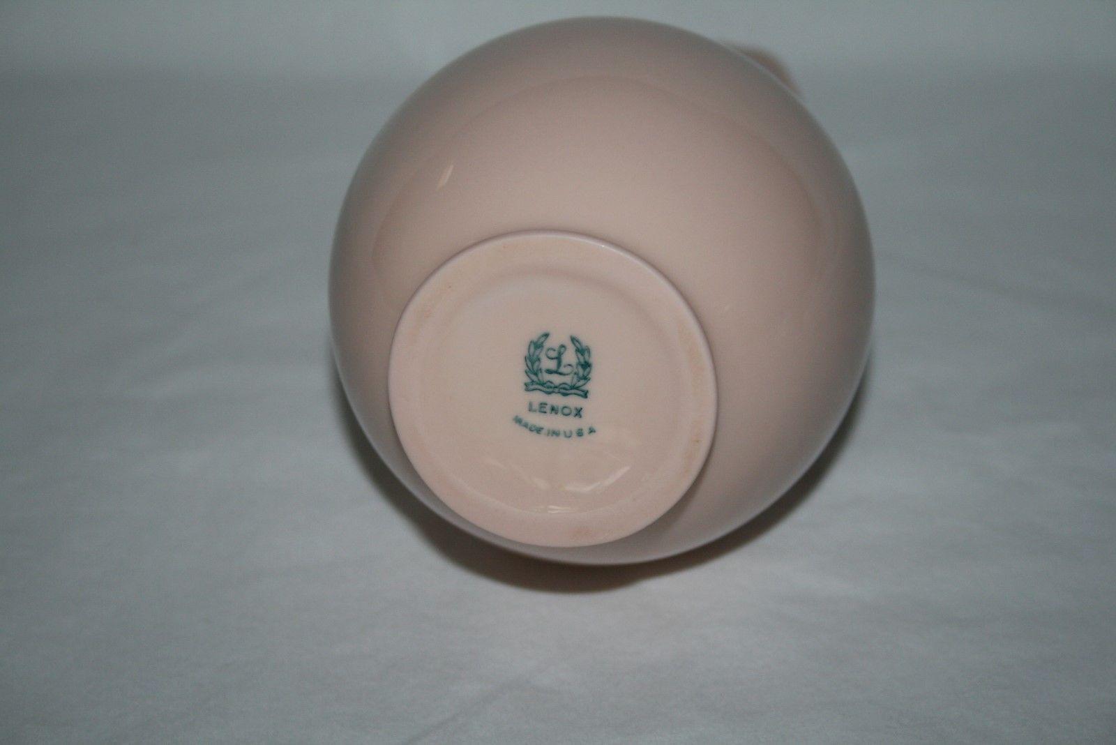 """Lenox -Green Mark- Dusty Pink 8"""" Bulbous Bud Vase"""