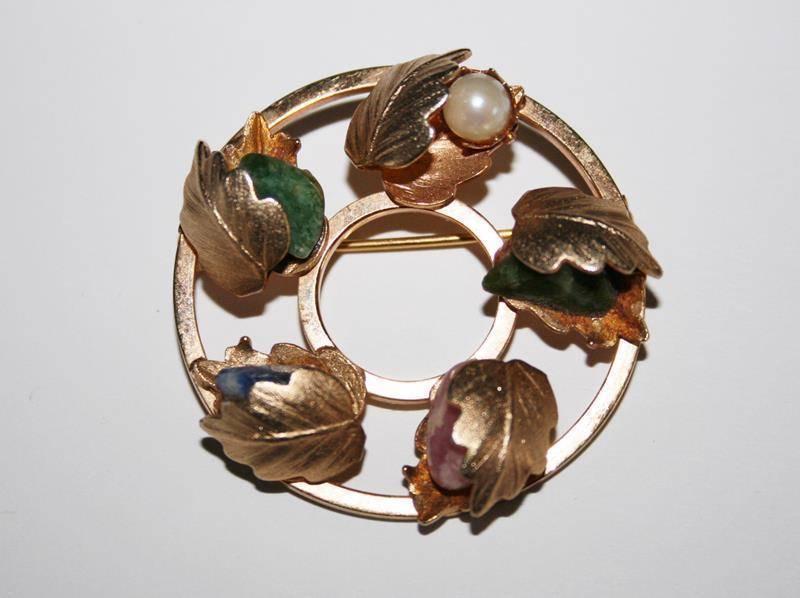 Vintage Sarah Coventry Round Wreath Pearl & Gemstone Leaf Brooch  J198GS