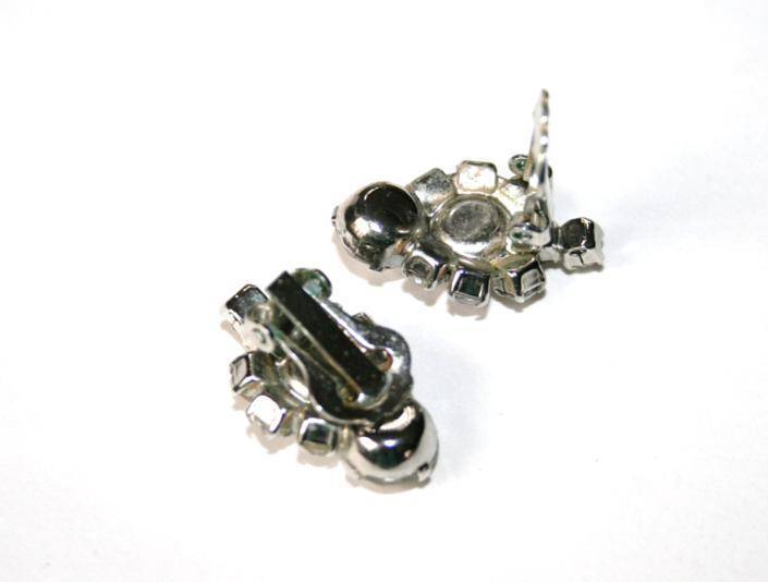 Vintage Silver Tone Clear Crystal Club Shaped Clip Earrings  J135GS