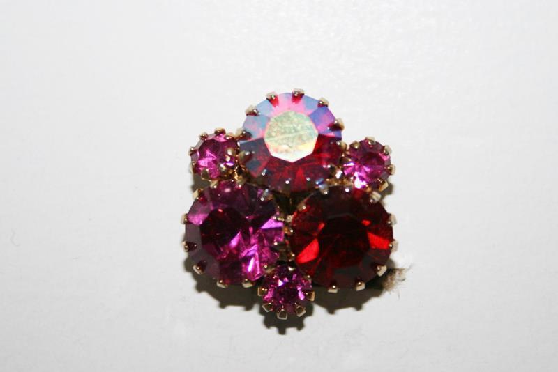 Vintage Sparkling Pink Red Crystal Cluster Clip Earrings J152