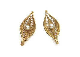 Sarah Coventry Gold Tone Filigree Faux Pearl Leaf Clip-On Earrings Vinta... - $18.04
