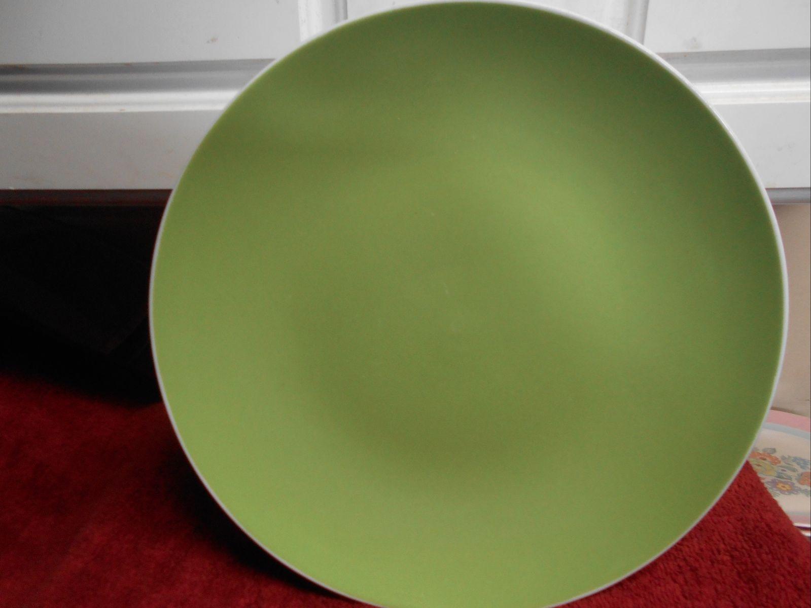 ISAAC MIZRAH DINNER PLATE TARGET GREEN WHITE 11  DIAM VGC LOVELY - $12.19 & Target Dinner Plate: 3 listings