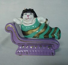 COMICAL & RARE CLEOPATRA FAT CAT RECLINING ON COUCH SALT & PEPPER SHAKER... - $35.00