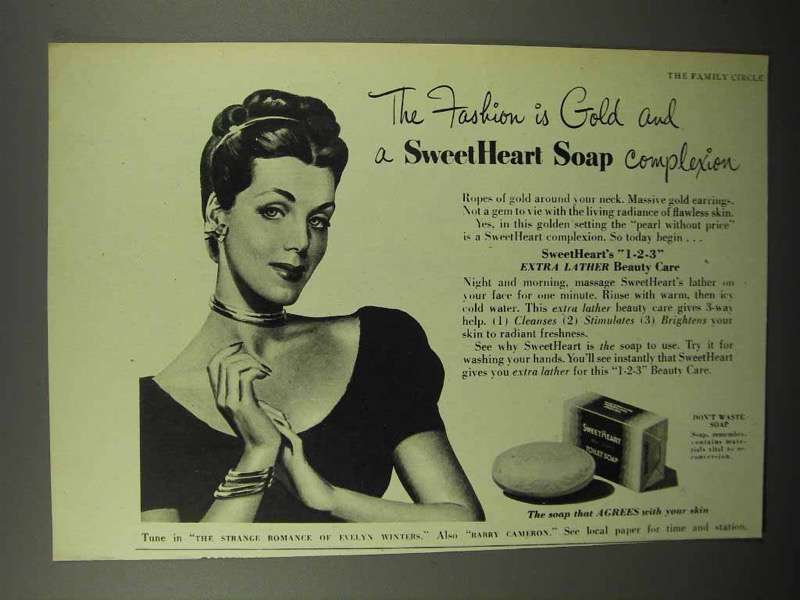 1945 SweetHeart Soap Ad - The Fashion is Gold