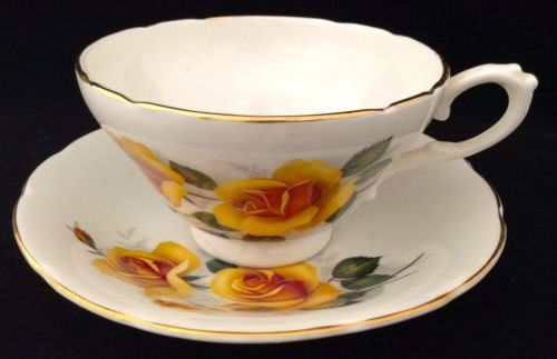 Vtg Golden Yellow Roses Tea Cup & Saucer Bone China Made in England Gold Trim FS
