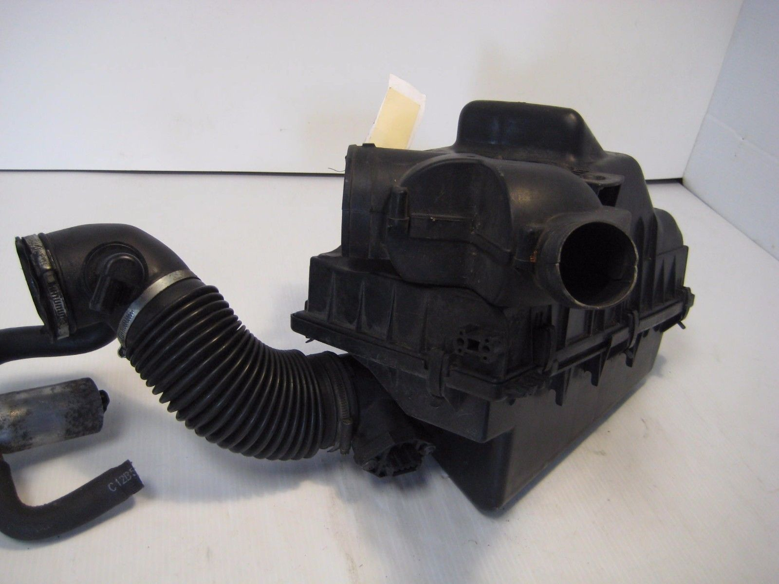 Volvo 850V 1995 Air Box Complete Assembly Intake Housing OEM