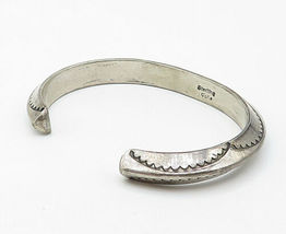 TAHE NAVAJO 925 Silver - Vintage Traditional Etched Pattern Cuff Bracelet- B4903 image 3