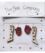 Stockings Mittens Christmas Collection (4pcs) wooden buttons The Bee Com... - $5.00