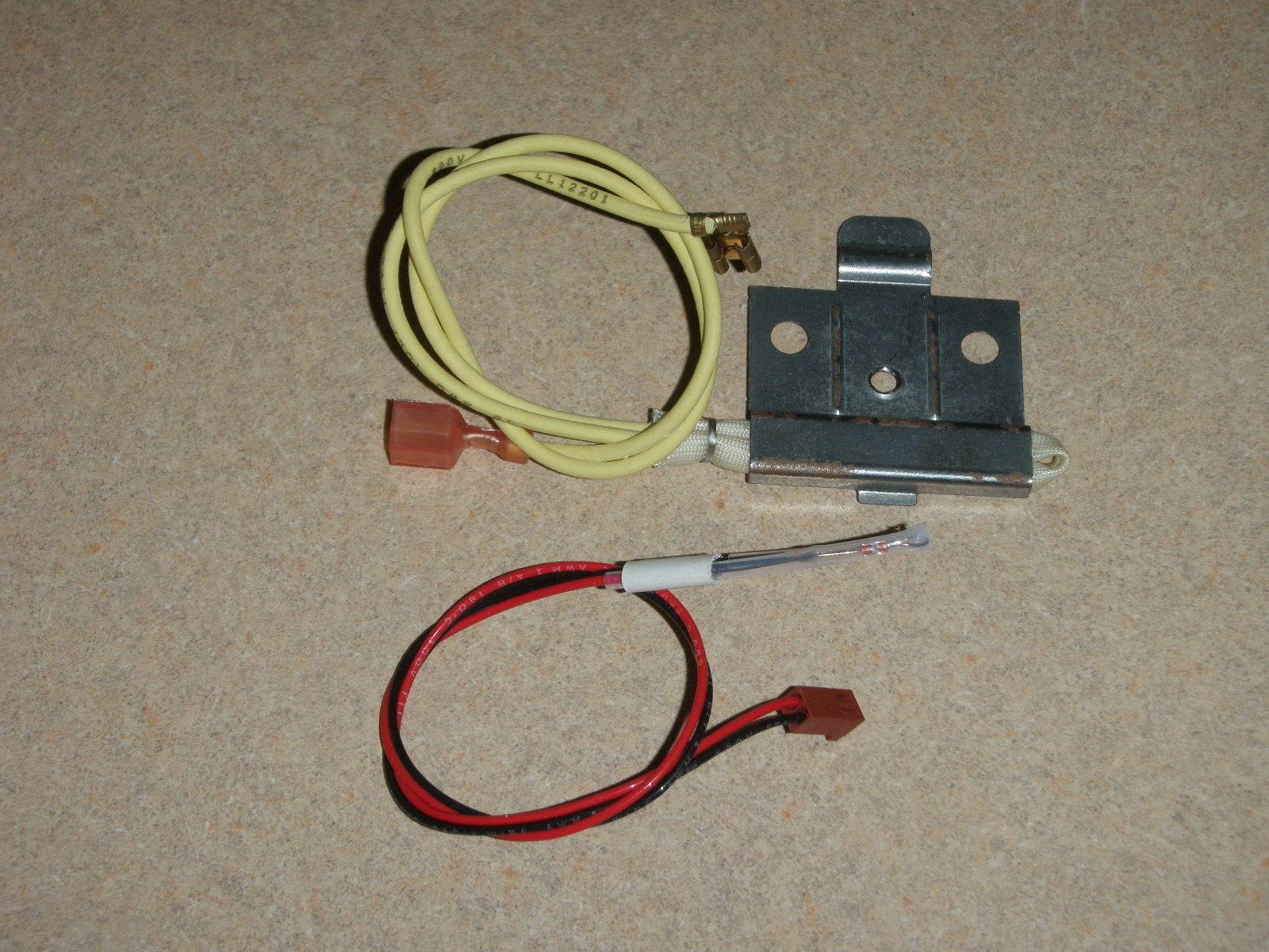 West Bend Bread Maker Thermal Fuse & Temp Sensor Assembly model 41055