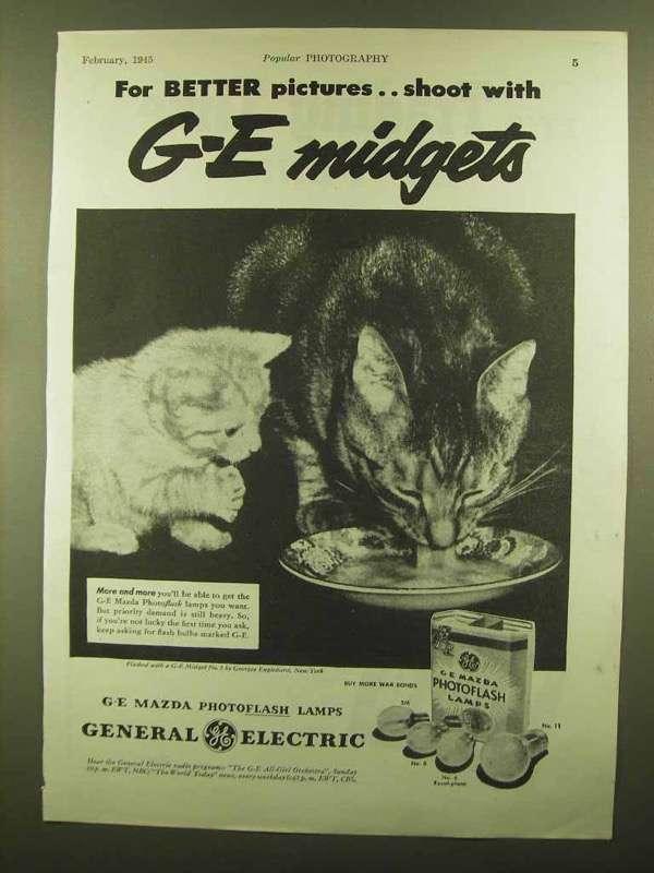 1945 General Electric Mazda Photoflash Lamps Ad - Christmas - $14.99