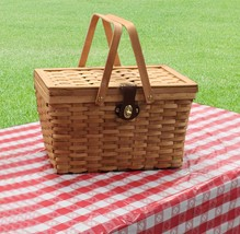 New Vintiquewise Large Gingham Lined Wood Picnic Basket With tablecloth - $32.99