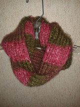 "Hand Knit Infinity/Mobius  Scarf - Pink/Green Blended Color Rib knit 4"" ... - $6.95"