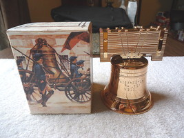 "Vintage Avon Liberty Bell Decanter Deep Woods After Shave "" NIB "" BEAUTI... - $15.88"