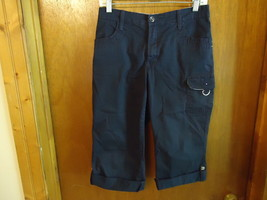"Womens Lee Just Below The Waist Size 6 Medium Black Capri Shorts "" BEAUTIFUL PAI - $14.01"