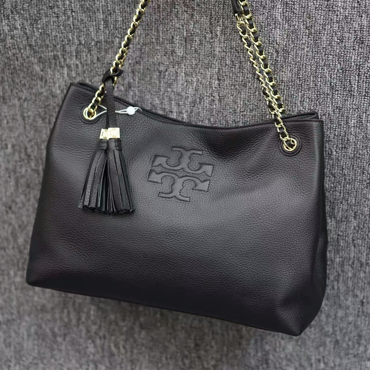 ff369c8214c Mmexport1481894115994. Mmexport1481894115994. Previous. Tory Burch Thea  Chain Shoulder Slouchy Tote