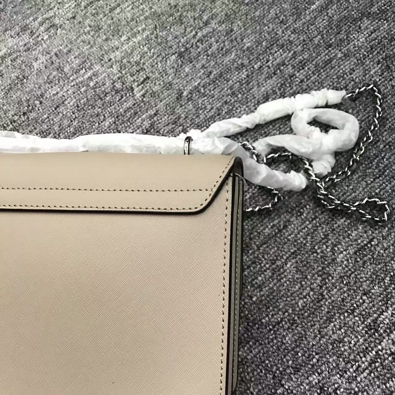 Tory Burch Robinson Convertible Leather Shoulder Bag image 4