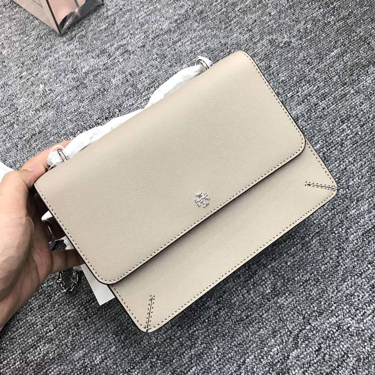 Tory Burch Robinson Convertible Leather Shoulder Bag