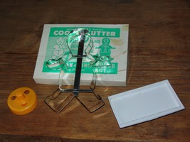 VINTAGE BUTTER DISH & 3 CUTTERS FOR DOUGHNUTS & COOKIES  (Granny's Barga... - $6.25