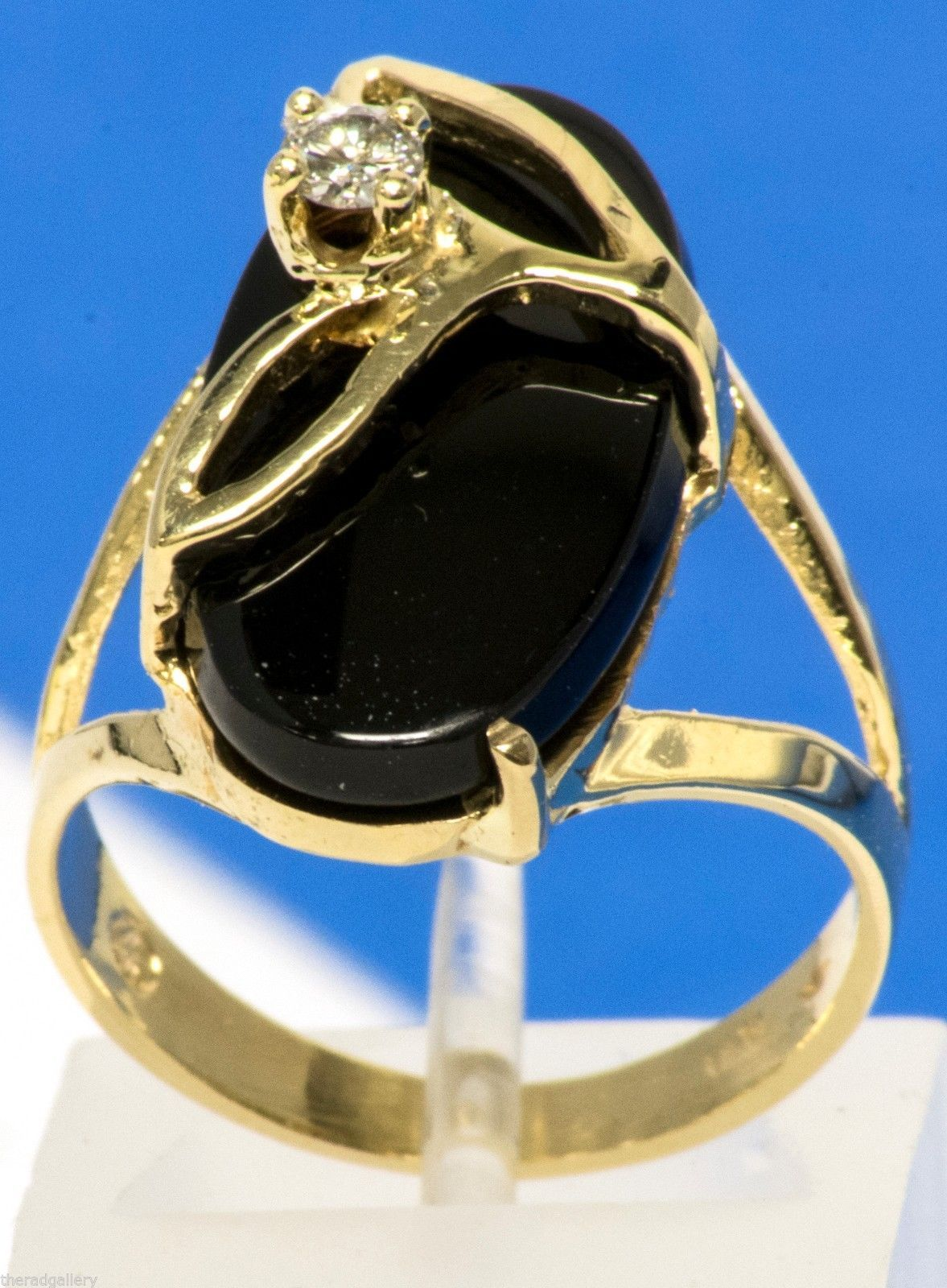 Primary image for Vintage 14K Yellow Gold Ring with Large Onyx Stone & Diamond Size 5.25 4.4g