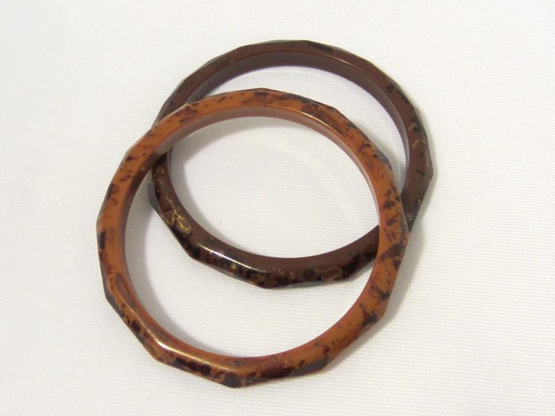 Retro vintage Pair Of Lucite Bangle Bracelets