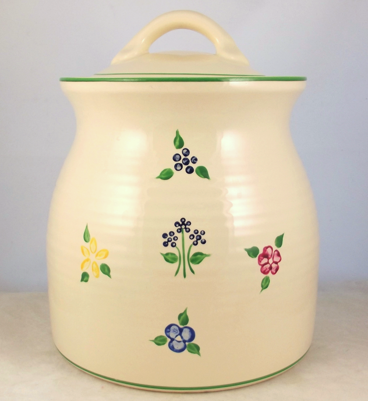 Pfaltzgraff Vickie Hanson 2.25 quart canister 507 hand painted artist signed