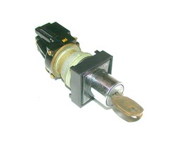 GENERAL ELECTRIC  CR 104 G  2-POSITION MAINTAINED KEY SWITCH 1 N.O. 1 N.C. - $29.99