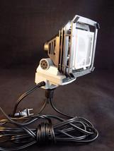 PROFESSIONAL VIDEO CAMERA LIGHT SUNPAK 3000 120VAC camera or tripod moun... - $23.75